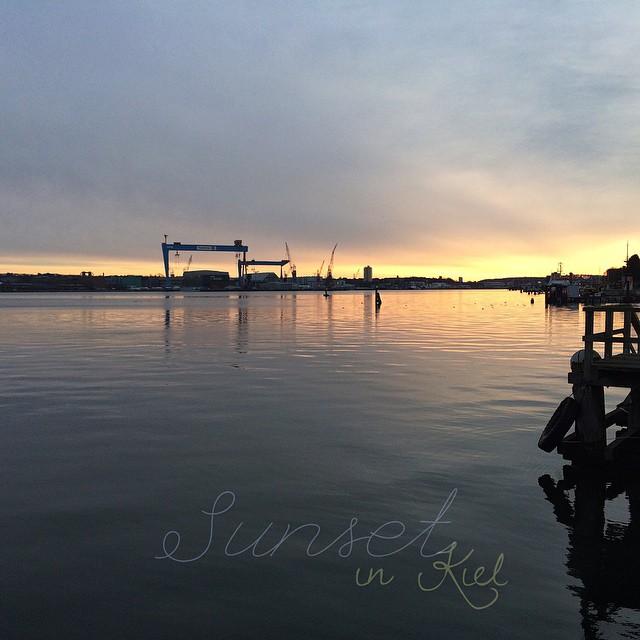 Sunset in Kiel. | Sonnenuntergang in Kiel.