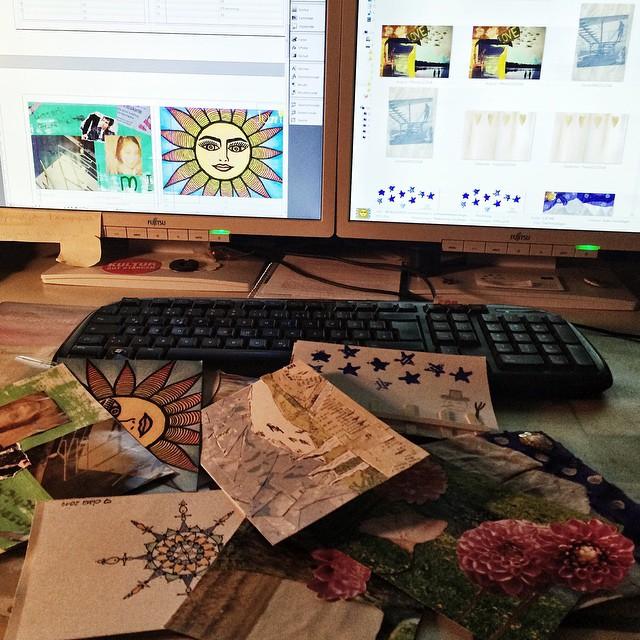 Hier entsteht grad etwas besonderes: ein Jahreskalender für Geburts- sowie (persönliche) Gedenk- & Feiertage. Die Bilder für die einzelnen Monate sind von Teilnehmenden des handmade kreativ-Seminar gestaltet. Ich layoute nun. Was für ein Spaß!Die Kalender gibt es dann demnächst als Download &/oder als besonderes Geschenk auf der .lkj)-Homepage.