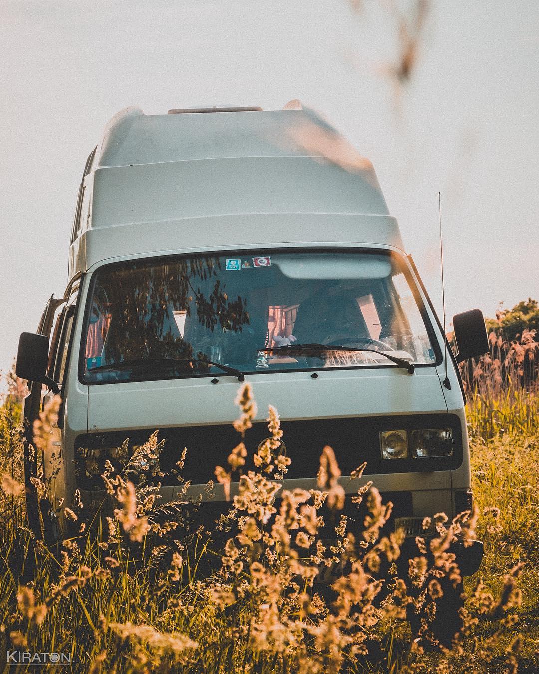 Abenteuer. Das Abenteuer beginnt direkt vor der eigenen Haustür. | The adventure behind directly on your doorstep. Darum muss man manchmal gar nicht in die Ferne streifen, um etwas zu erleben. Denn es gibt so viel tolles in der eigenen Stadt und dem Umland zu erleben. Und wenn wir mit Hilde, unserem zum Camper ausgebauten VW-Bus, herum reisen, beginnt das Abenteuer quasi schon in bzw. durch Hilde.