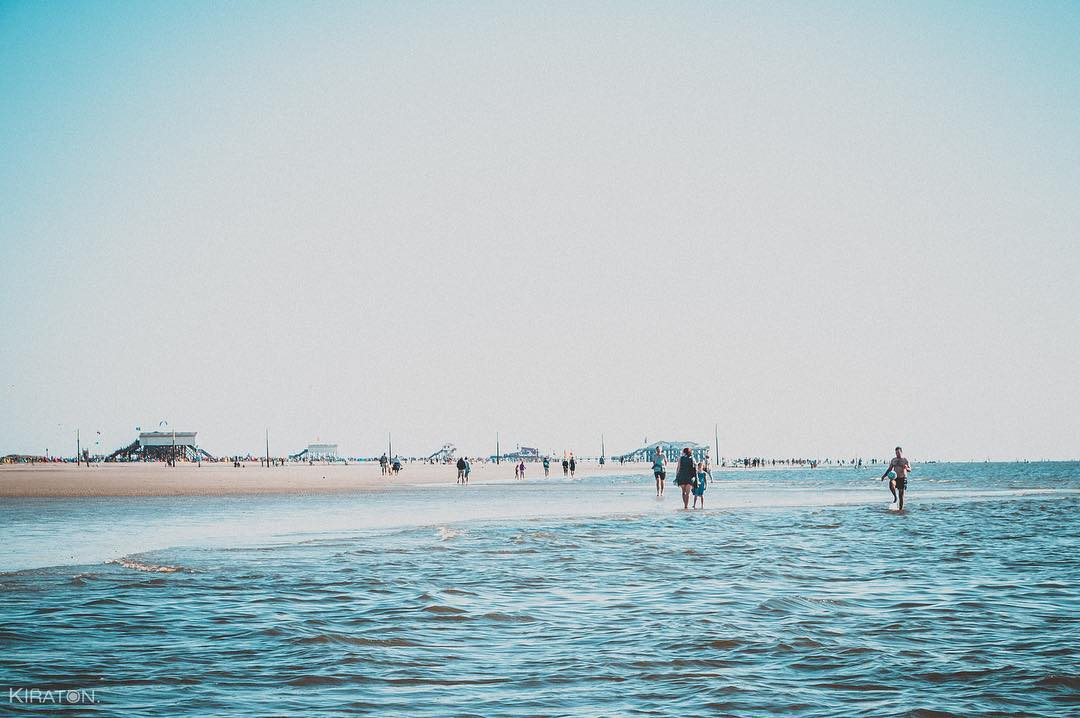 Strand und Meer von Sankt Peter Ordung