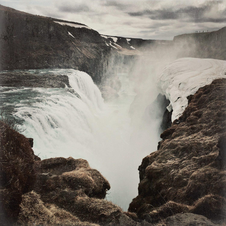 Natürlich kommt an ihn - den Gullfoss-Wasserfall - hier in Island nicht vorbei. Hier mal aus einer anderen Persprektive.
