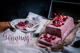 Gönnung! Veganes Joghurt-Frucht-Eis zum Frühstück.